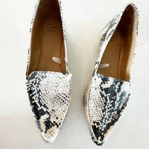 NEW A New Day Snakeskin Point Flat Loafers 9